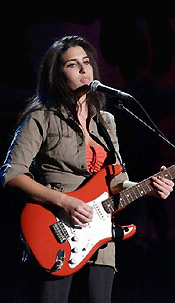 amy winehouse con fender stratocaster