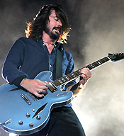 dave grohl con gibson